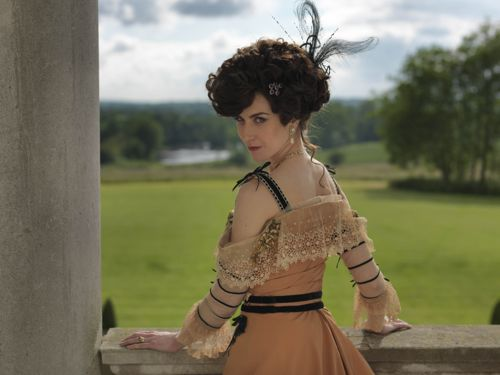 Katherine Kelly as Lady Mae.