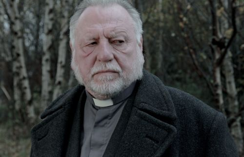 Kenneth Cranham as Vicar Oddie.