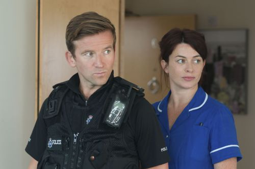 Frankie (Eve Myles) and Ian (Dean Lennox Kelly).