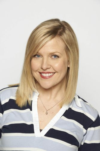 Ashley Jensen as Sarah.
