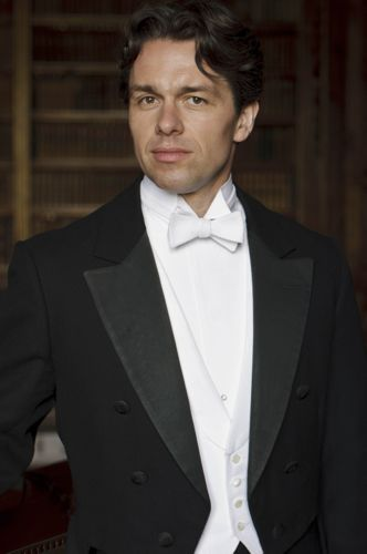 Julian Ovenden - introduced later in the series as Charles Blake.