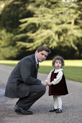 Tom (Allen Leech) and little Sybbie.