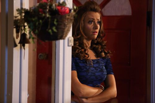 Lisa McGrillis as Vicki.