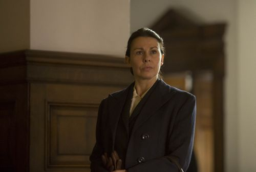 Julie Graham as Jean.