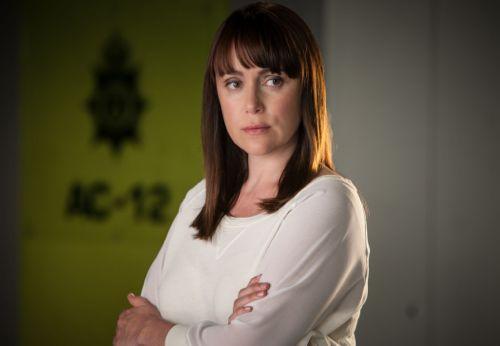 Detective Inspector Lindsay Denton (KEELEY HAWES)