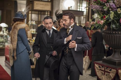 Lord Loxley (Aidan McArdle) and Harry Selfridge (Jeremy Piven).