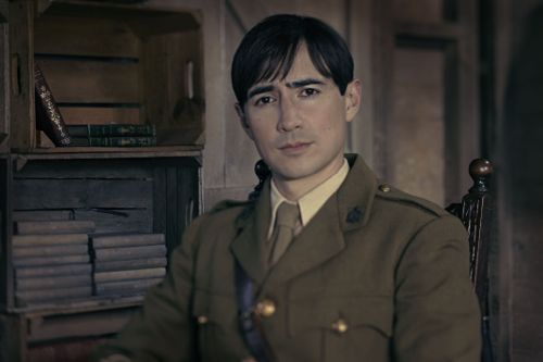 Alex Wyndham as Captain Miles Hesketh-Thorne.