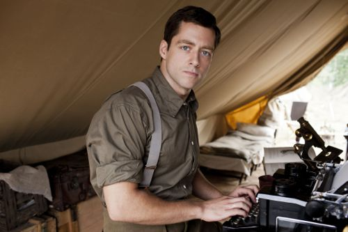 Richard Rankin as Captain Thomas Gillan.