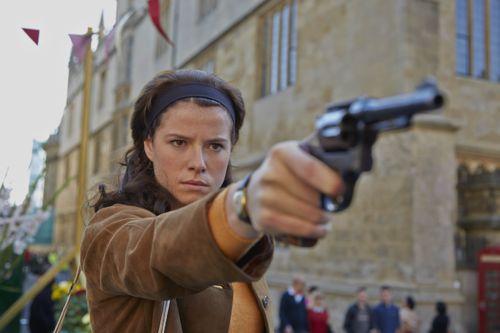 Jessie Buckley as Kitty Batten.