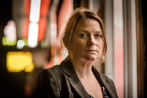 Rosie Cavaliero as Acting Det Chief Insp Susan Reinhardt.