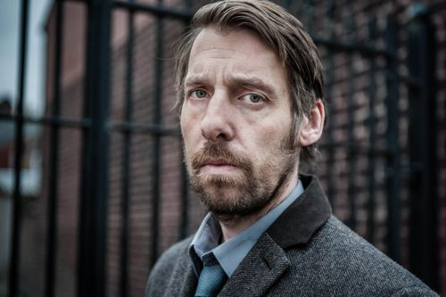 Craig Parkinson as Det Insp Sean Devlin.