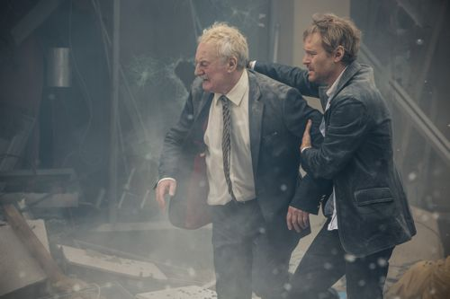 Bernard Hill as Samuel and Steven Mackintosh as Robbo.