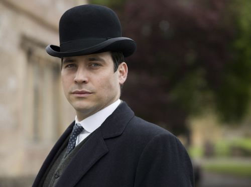 Thomas (Rob James-Collier).