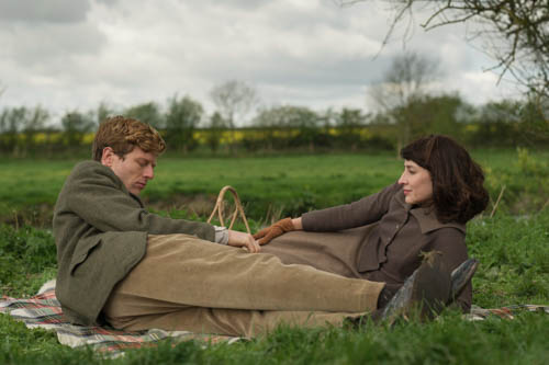 EMABARGOED_UNTIL_25TH_SEPTEMBER_GRANTCHESTER_EP1_09-5