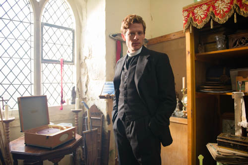 EMABARGOED_UNTIL_25TH_SEPTEMBER_GRANTCHESTER_EP1_39-1