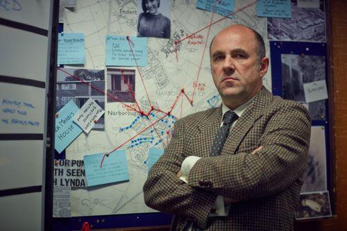 Lorcan Cranitch as DI Alan Madden.