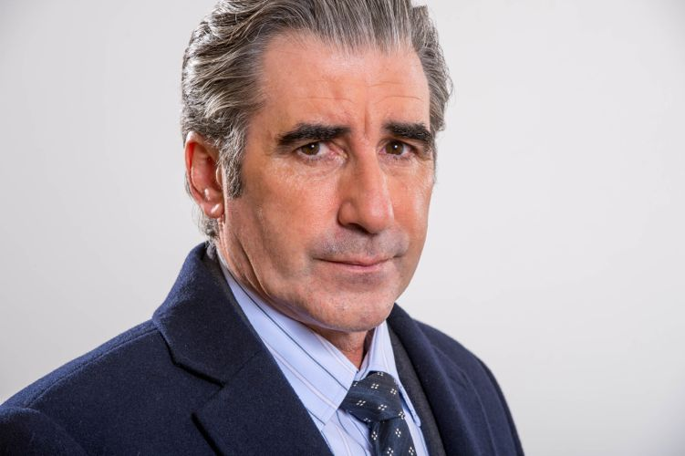 John Lynch as Steve Macintyre.