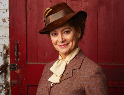 Francesca Annis as Joyce.