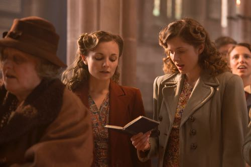 Rachel Hurd-Wood as Kate and Leila Mimmack as Laura.