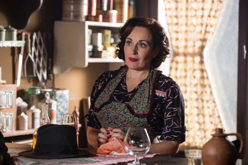 Lucy Cohu (Madame Maigret).