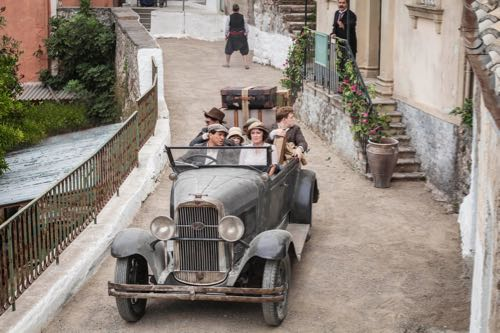 THE_DURRELLS_EP1_05