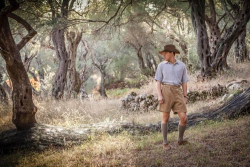 THE_DURRELLS_EP1_13
