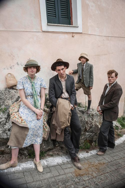 THE_DURRELLS_EP1_25