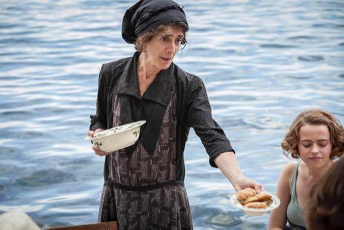Anna Savva as Lugaretza.