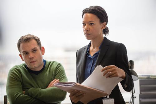 Jack Doolan (DC Mark Travis) and Nina Sosanya (DCI Laura Porter).