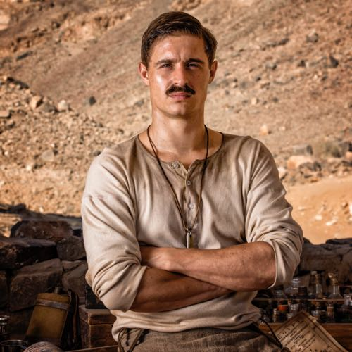 Max Irons as Howard Carter.