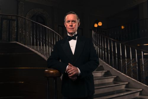 Alex Jennings as Lord Hamilton.