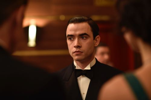 Jamie Blackley as Freddie Hamilton.