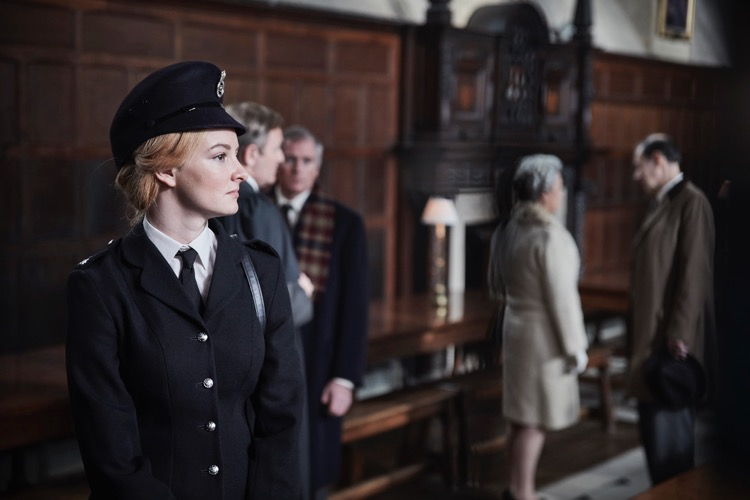 ENDEAVOUR_EP1_DAKOTA12