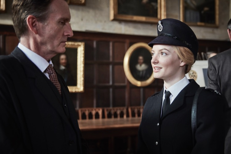 ENDEAVOUR_EP1_DAKOTA17